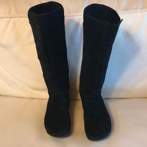 Fitflop tall  suede boots EUC